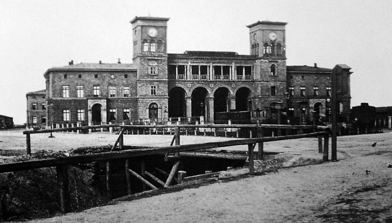 Historische Fotografie des Thüringer Bahnhofs um 1862