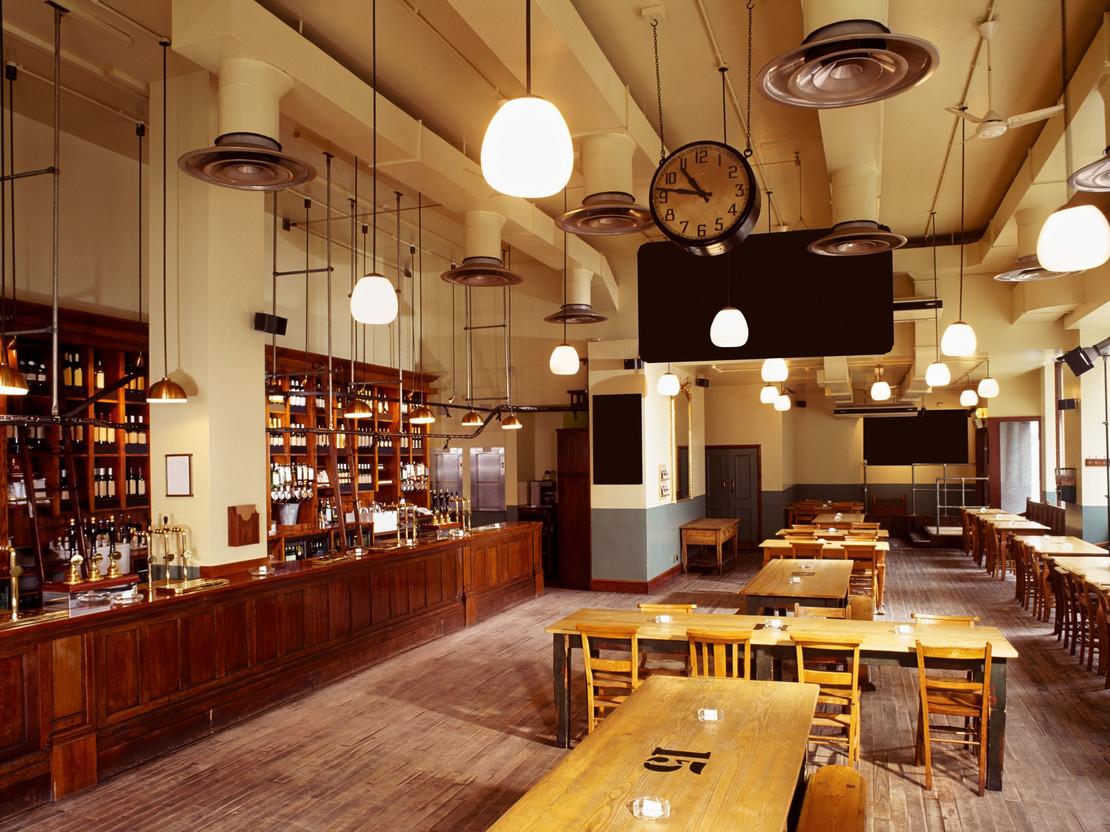 Fotografie Innenräume einer Gaststätte mit Vintageelementen.