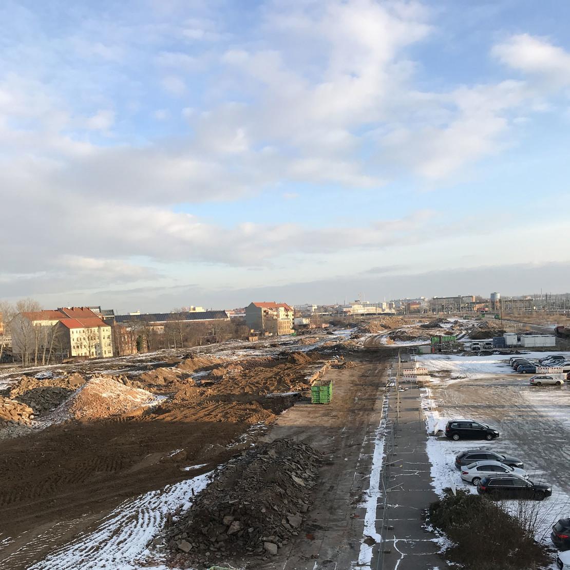 Blick auf das Areal des Löwitz Quartiers in Richtung Nordosten. Stand der Arbeiten Ende Januar 2021: Alle Gebäude sind abgerissen.